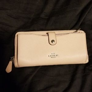 Coach wallet (blush)
